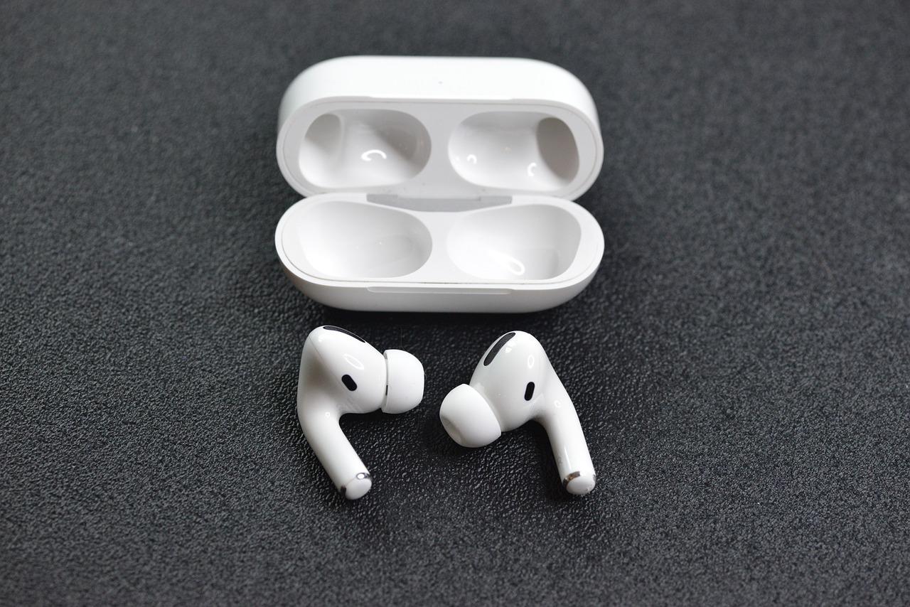 Penser aux Airpods pour écouter de la musique avec votre smartphone.